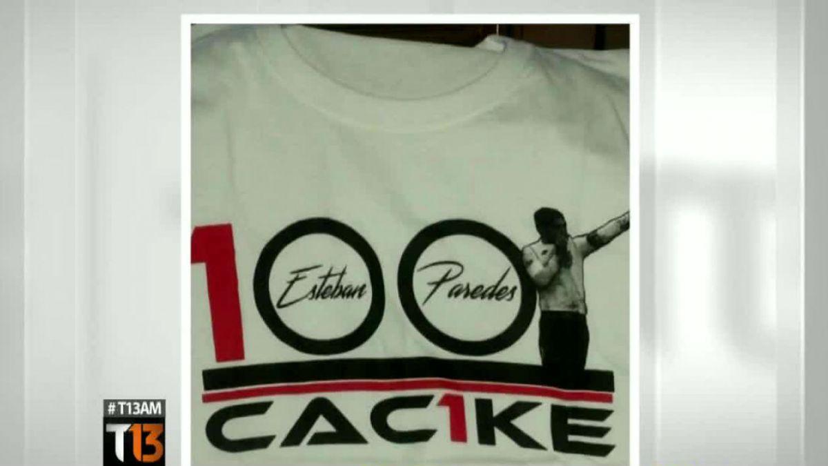 La camiseta con la que Esteban Paredes celebraría sus 100 goles por Colo Colo