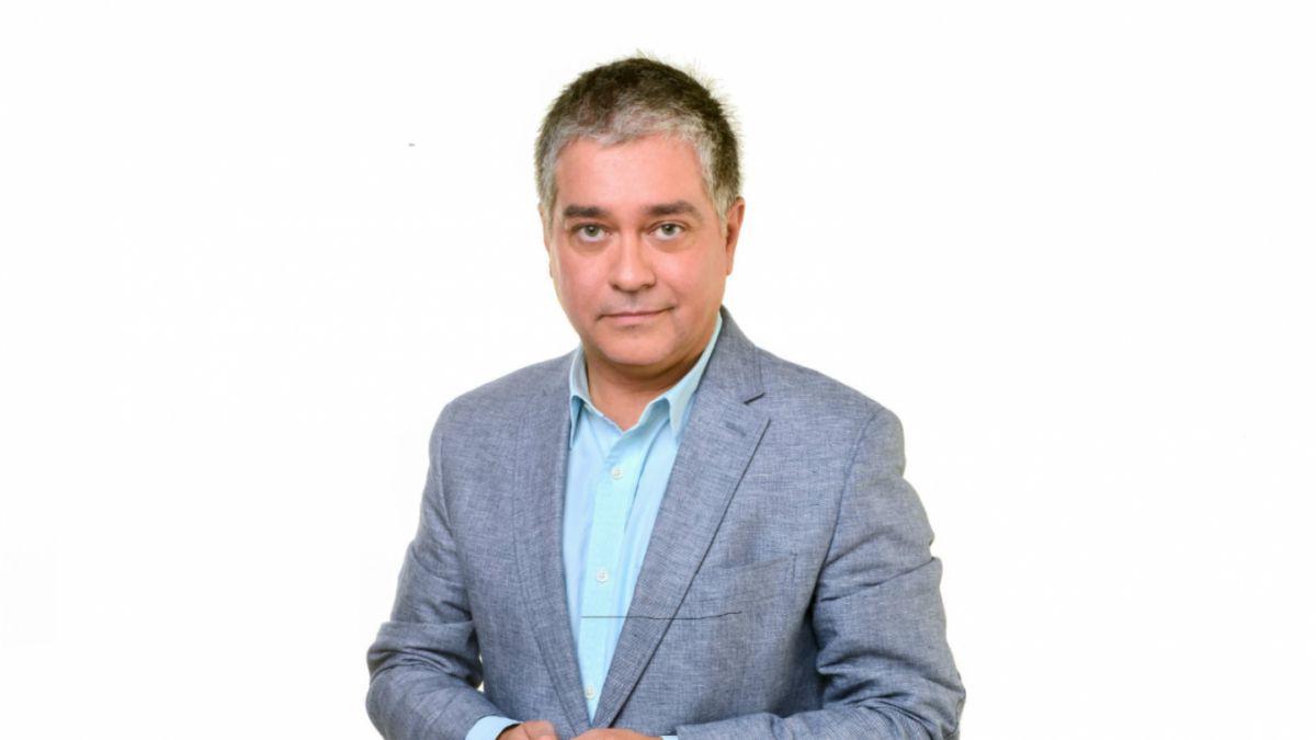 """Iván Valenzuela liderará """"Mesa Central"""" en Tele13 Radio 103.3 FM"""