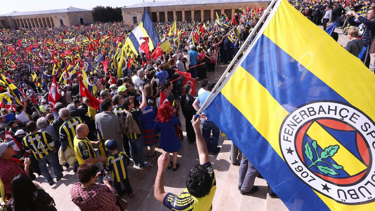 Fenerbahçe retorna a las competencias dos semanas después de ataque