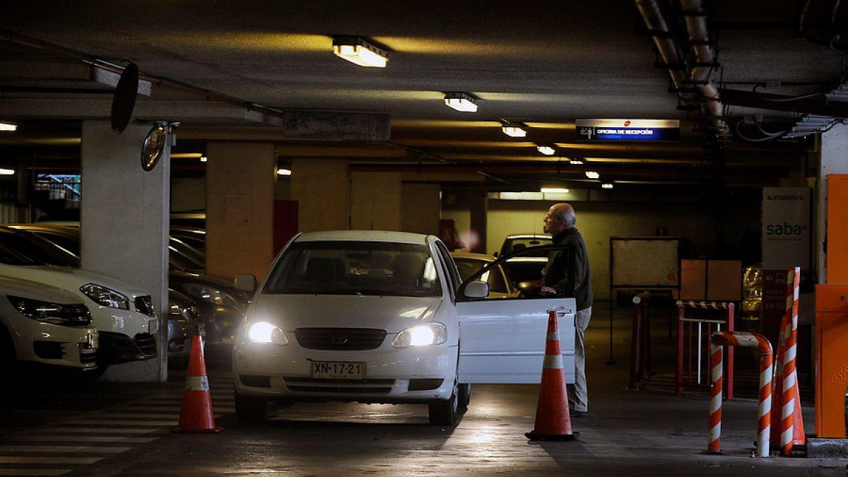 Empresas de estacionamientos crean gremio para enfrentar proyecto que elimina cobros en mall
