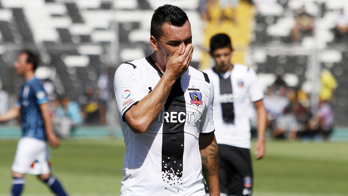 Alerta en Colo Colo: Esteban Paredes se lesiona y sería baja ante San Luis