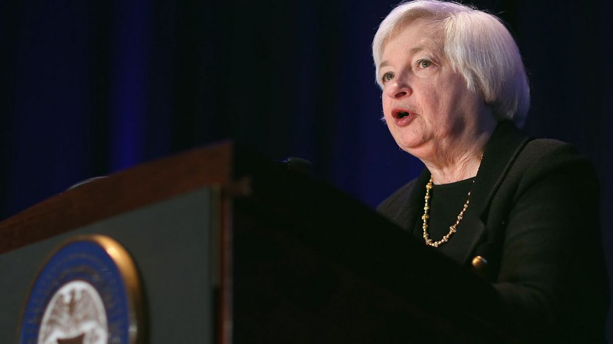 Fed mantiene sin cambios tasa de interés y no da señales de eventual alza