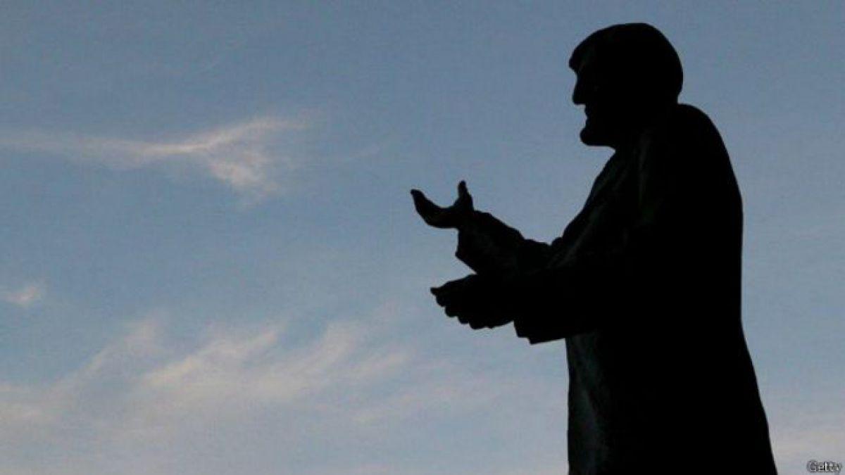 Jimmy Hill, el hombre que revolucionó y le dio forma al fútbol moderno