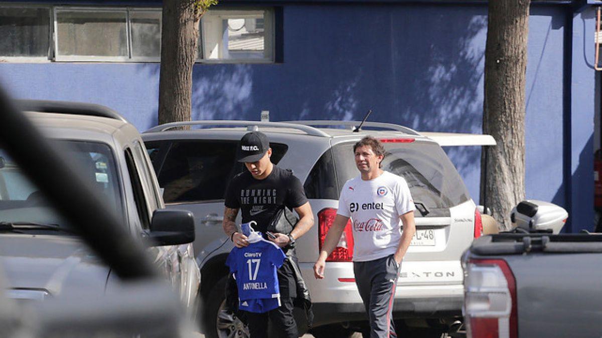Eduardo Vargas vuelve a las prácticas tras un mes de inactividad