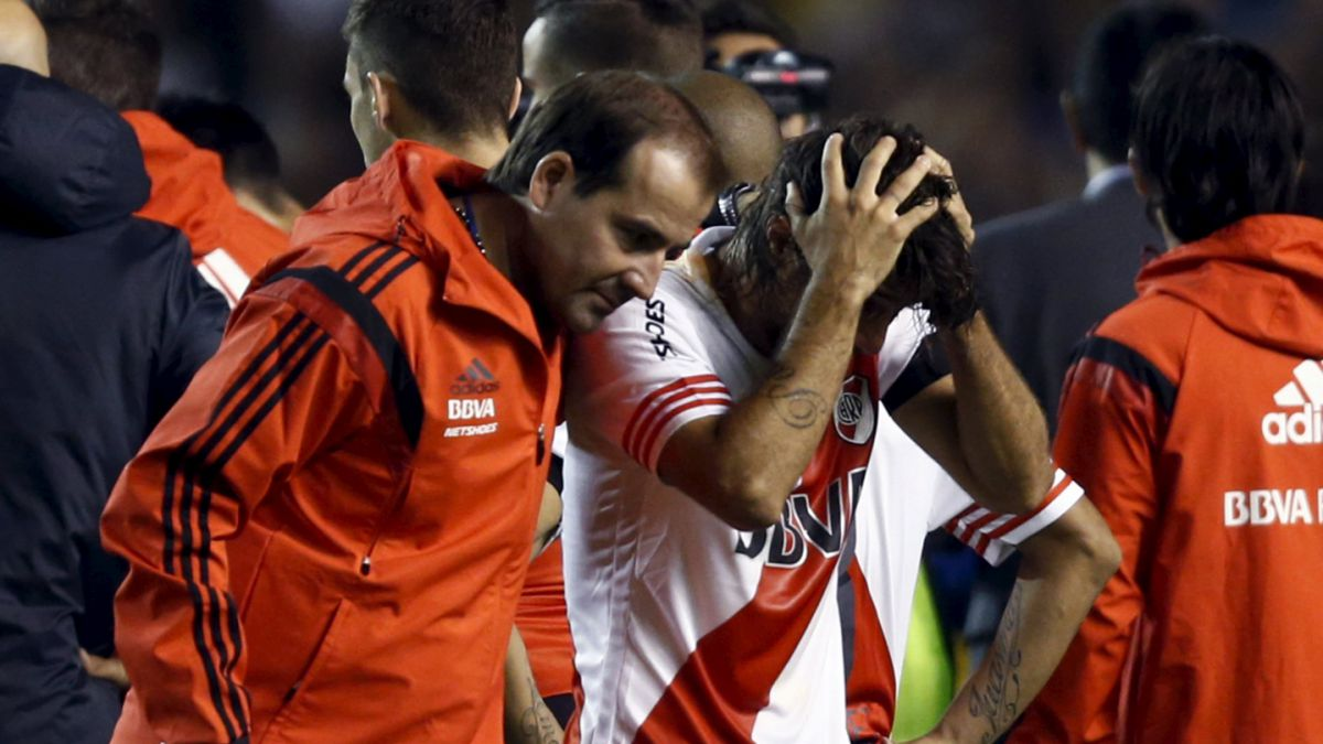 Suspenden duelo de Boca y River por incidentes