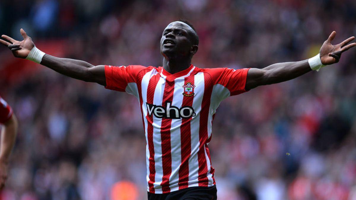 Récord en Inglaterra: Delantero del Southampton anotó 3 goles en 3 minutos