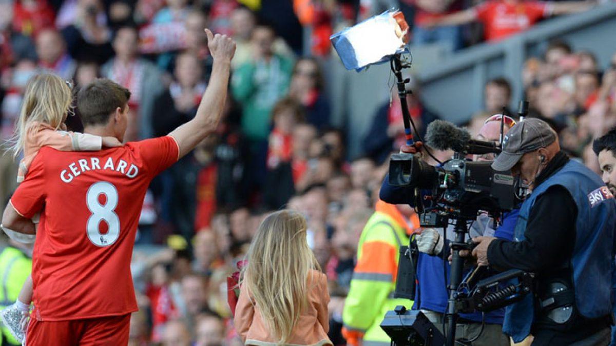 [VIDEO] Adiós a un grande: Así fue el último partido de Steven Gerrard en Anfield Road