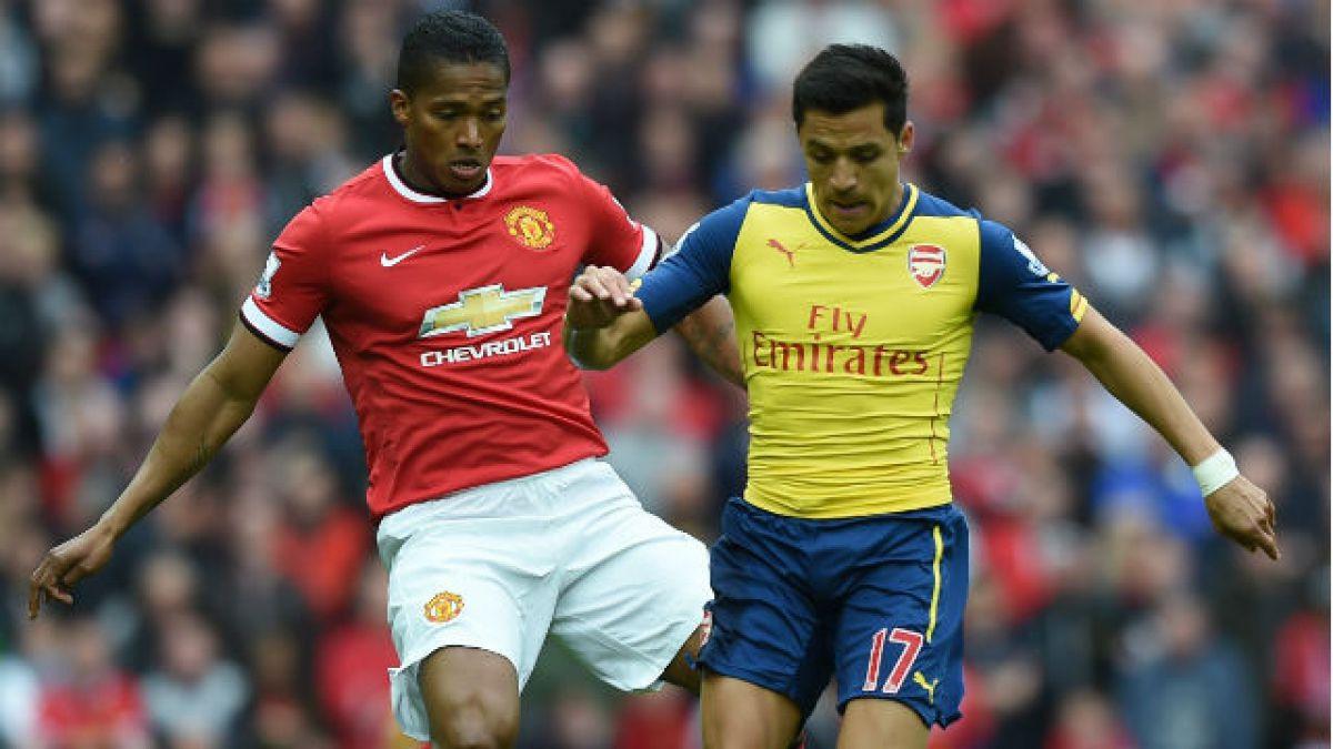 Alexis no pudo aportar con goles en el clásico ante Manchester United
