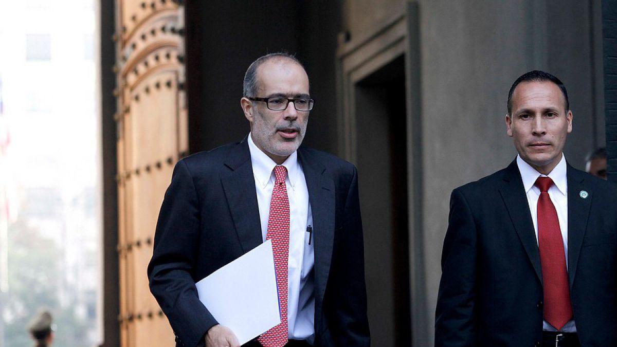 Hacienda se anticipa a debate presupuestario 2016 al sincerar negativo panorama económico