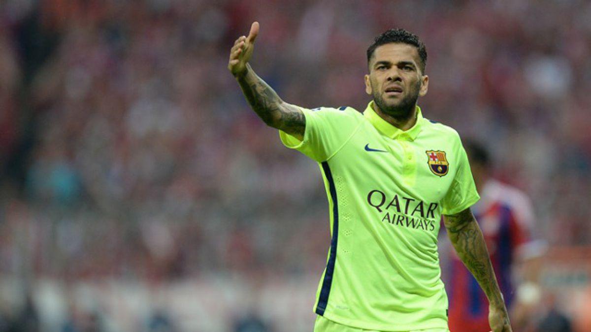 "Dani Alves acusa ""falta de respeto"" por parte del Barcelona"