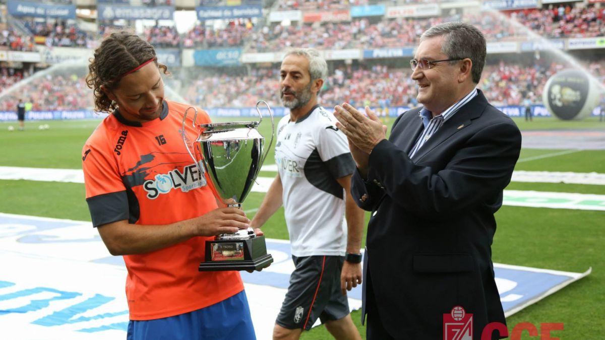 Manuel Iturra el mejor jugador del Granada