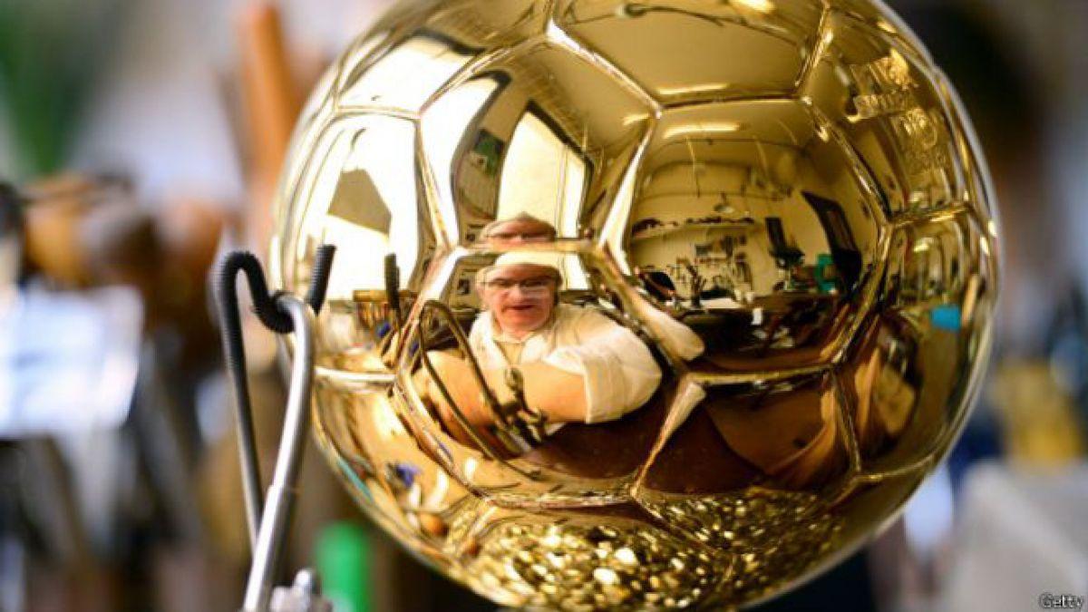 ¿Cómo obtiene la FIFA su dinero y cómo lo gasta?