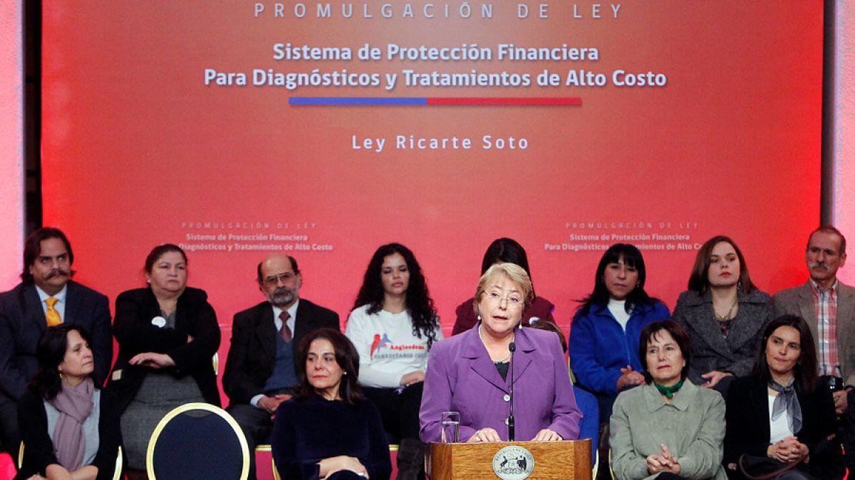 Bachelet promulga ley Ricarte Soto: Hoy damos un paso más en garantizar la salud como un derecho