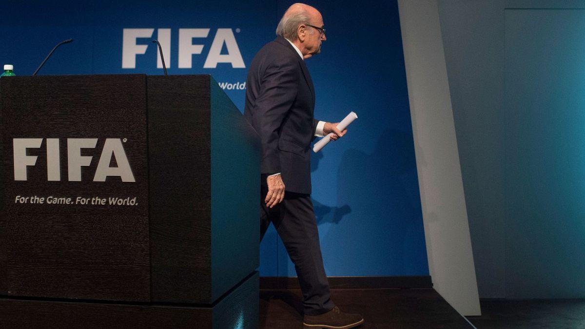 Joseph Blatter renuncia a la FIFA y anuncia congreso para nueva elección