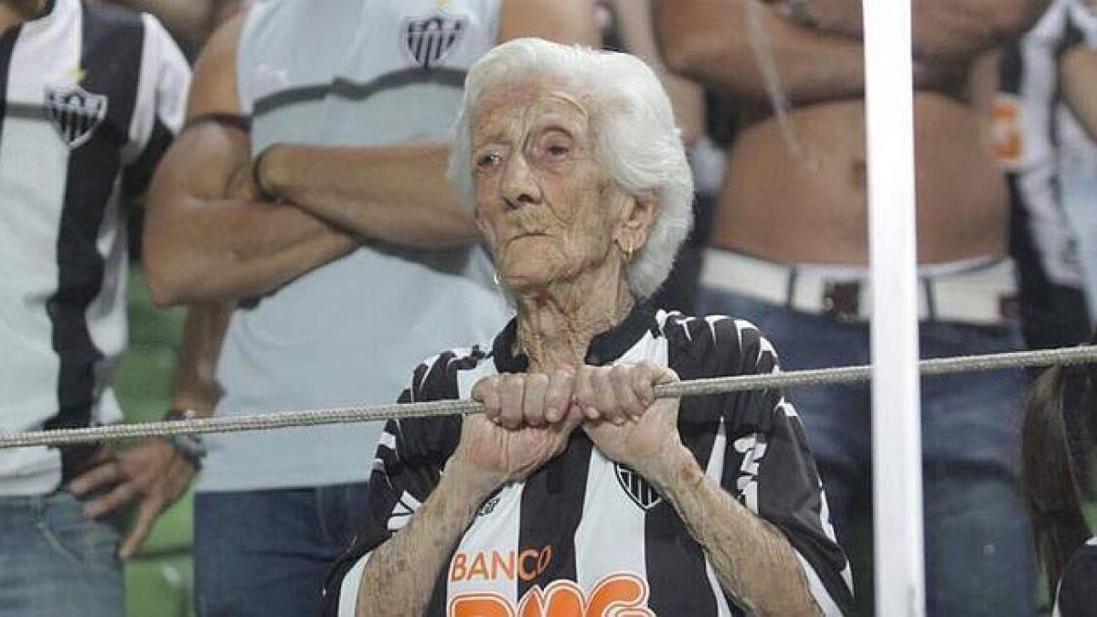 [VIDEO] La bisabuela que maravilla al mundo por su pasión por el Atlético Mineiro