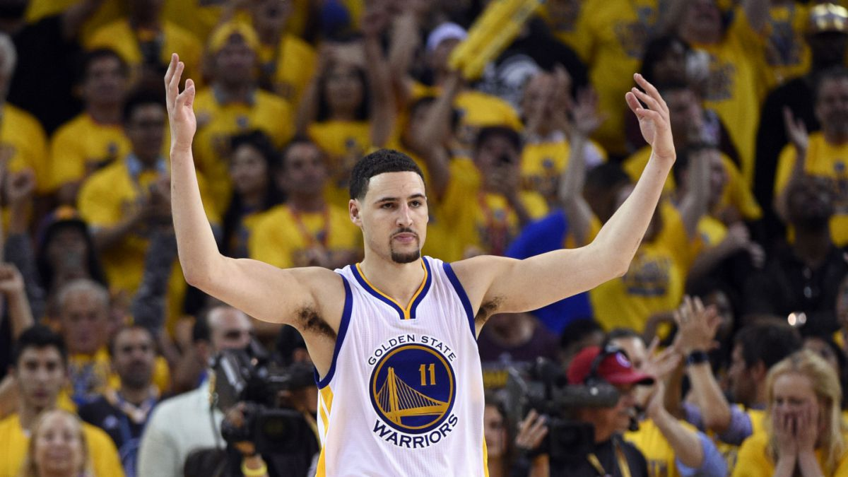 Warriors da el primer golpe en la final de la NBA