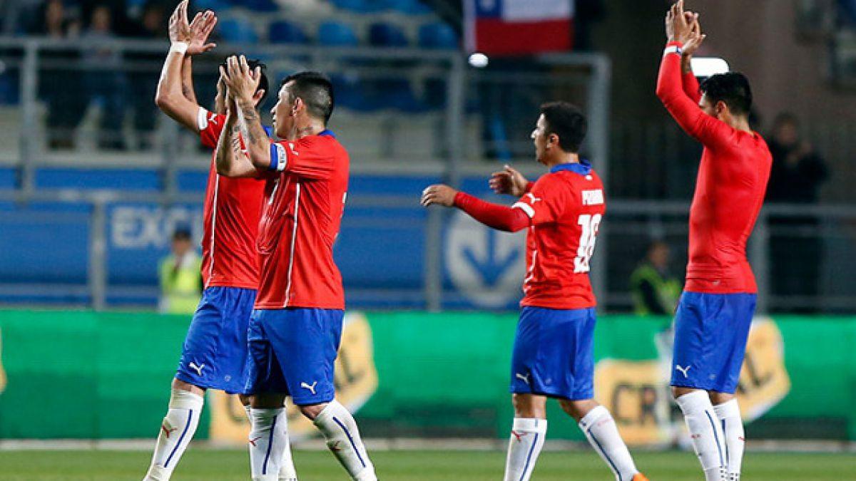 Chile jugaría con sólo tres jugadores en el fondo