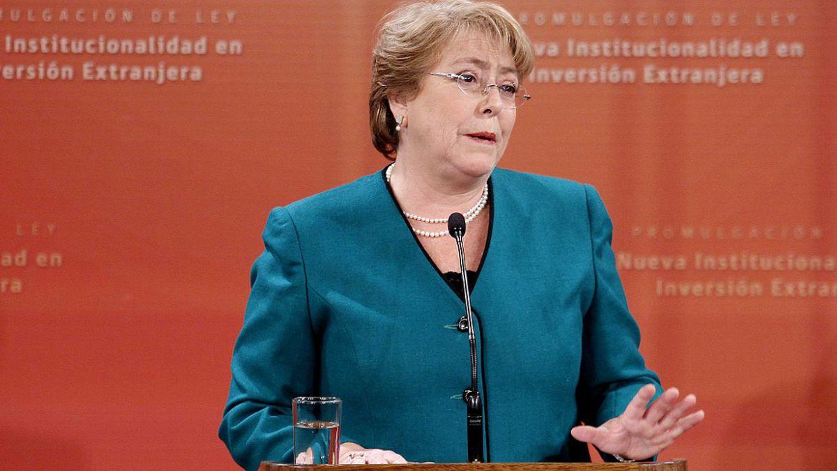 Bachelet promulga ley para institucionalidad en inversión extranjera y define cuatro ejes clave