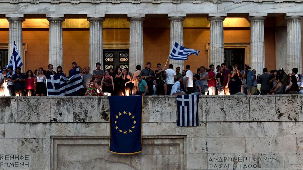 Reunión de ministros termina sin acuerdo sobre Grecia y UE convoca a cumbre extraordinaria