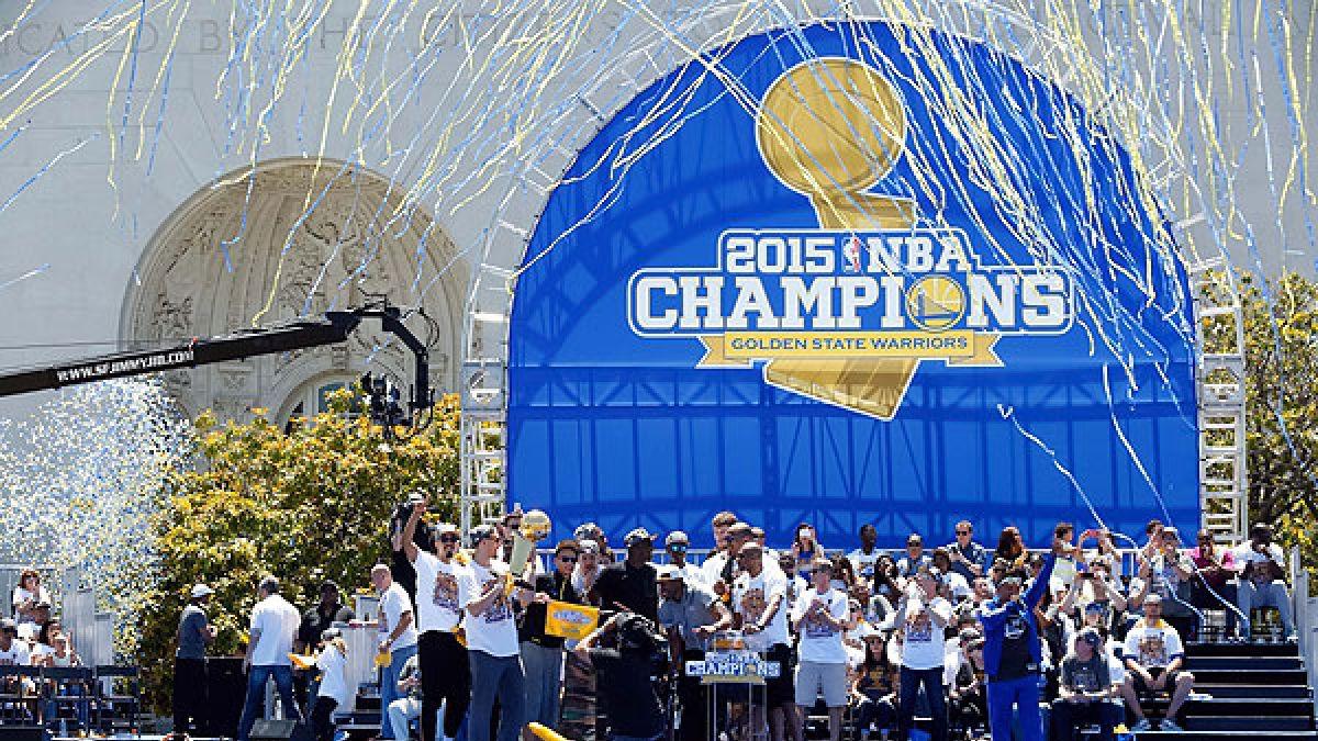 500 mil personas festejaron en las calles el título de Golden State en la NBA