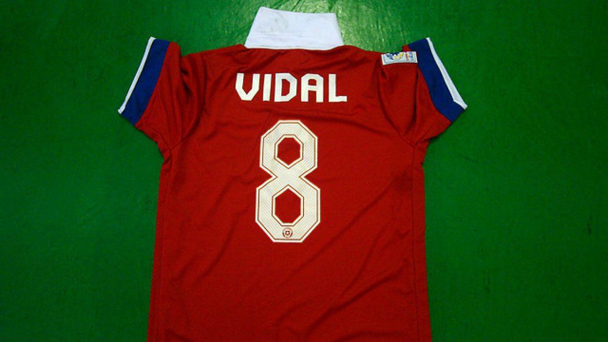 [FOTOS] Decomisan más de 200 camisetas de la Roja en la previa del duelo ante Uruguay
