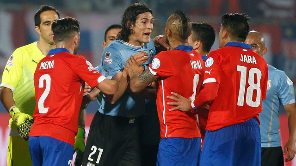 Jugador uruguayo habría realizado ante Jamaica la misma provocación de Jara en Copa América