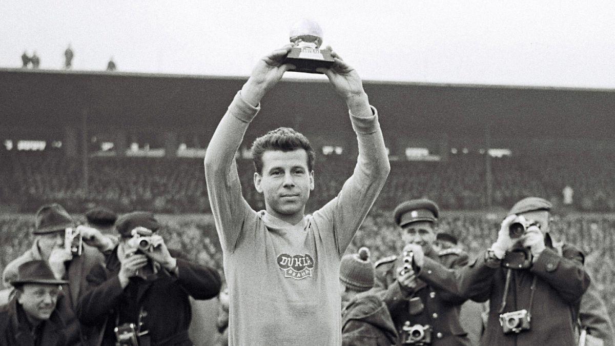 Fallece autor del primer gol de la final del mundial de Chile 1962
