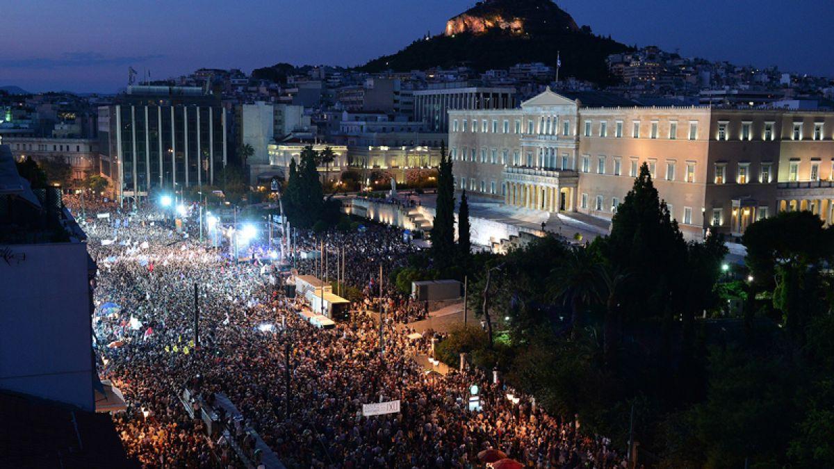 Mas de 45 mil personas por el sí o el no salen a las calles de Grecia