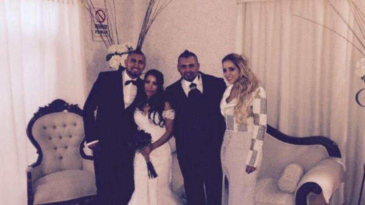 Arturo Vidal comparte imagen de su celebración en un matrimonio