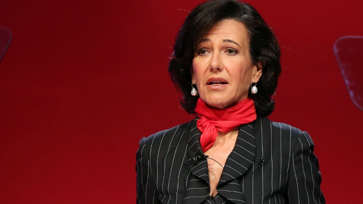 """Presidenta del grupo Santander: """"Sigo viendo el vaso medio lleno en Chile"""""""