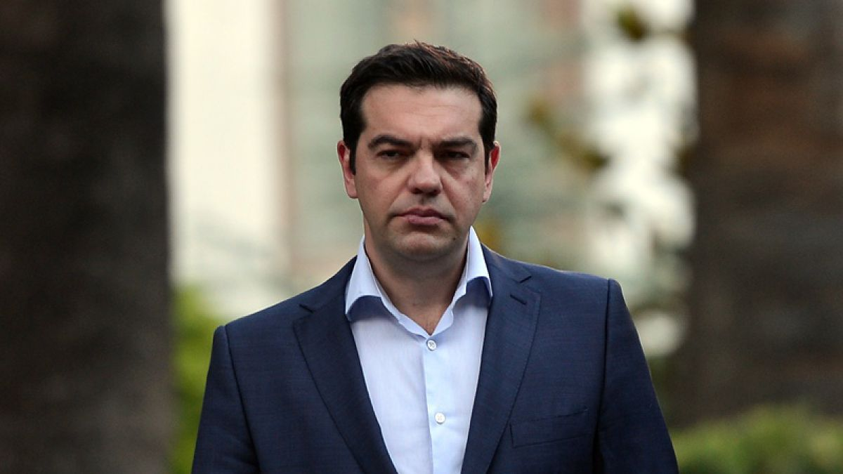 Tsipras se rinde, Atenas presenta un plan más exigente