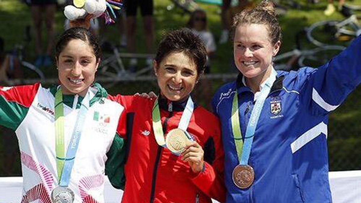 Bárbara Riveros gana el Triatlón y consigue el primer oro para Chile en Toronto 2015