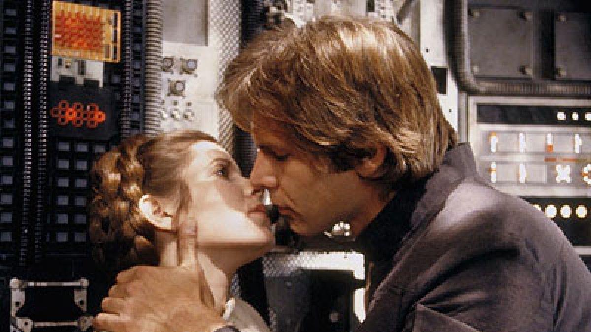 El emotivo beso de Han Solo a la princesa Leia después de 35 años