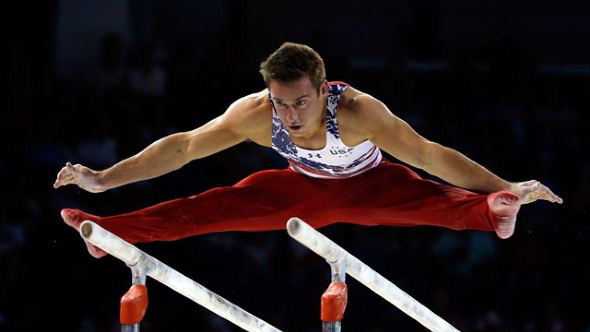 Estadounidense Mikulak brilla en oro en gimnasia artística en Toronto-2015