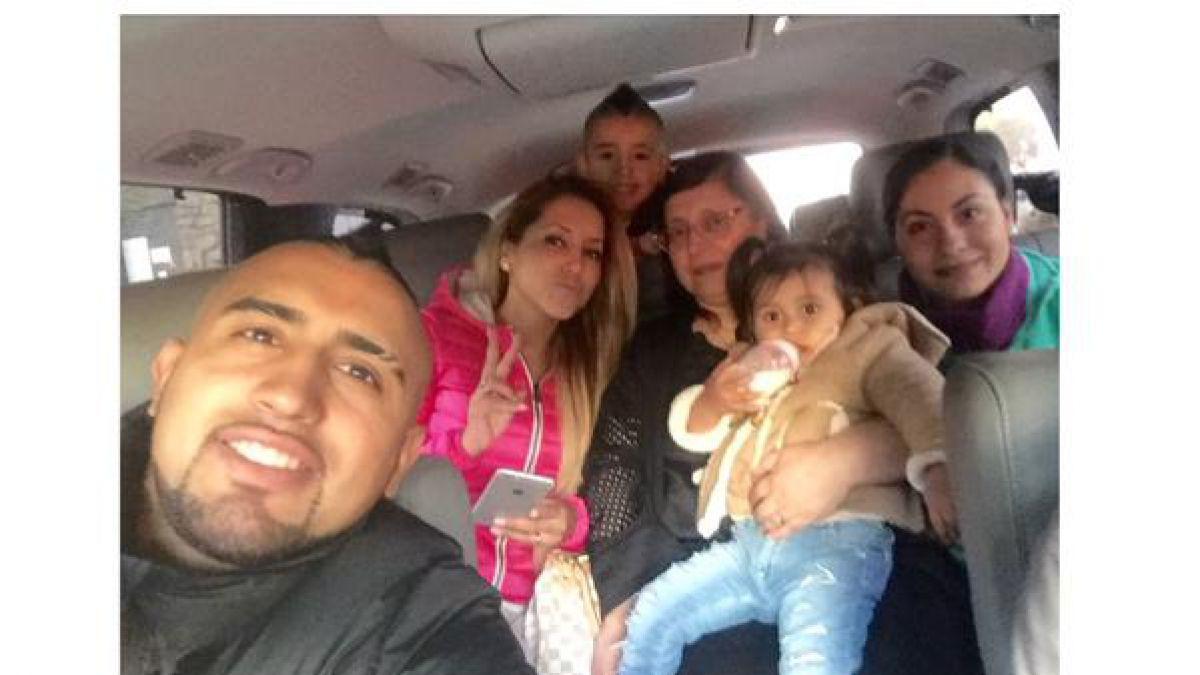 [FOTO] Arturo Vidal disfruta de sus vacaciones junto a su familia