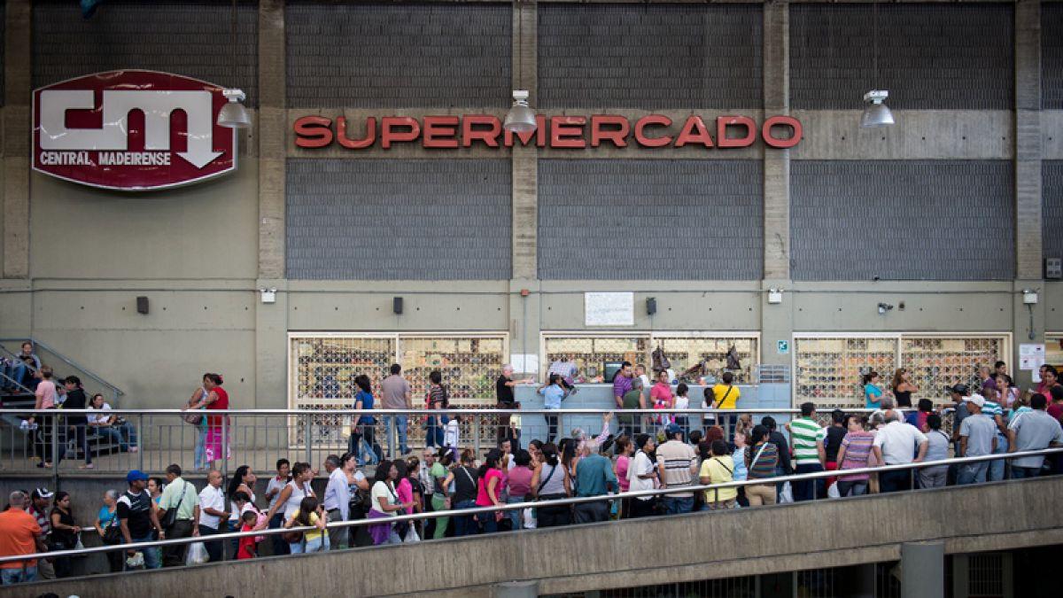 FMI alerta que la inflación en Venezuela superará al 100% en 2015