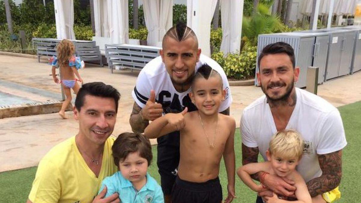 Arturo Vidal disfruta de sus vacaciones junto a Mauricio Pinilla y Pablo Contreras