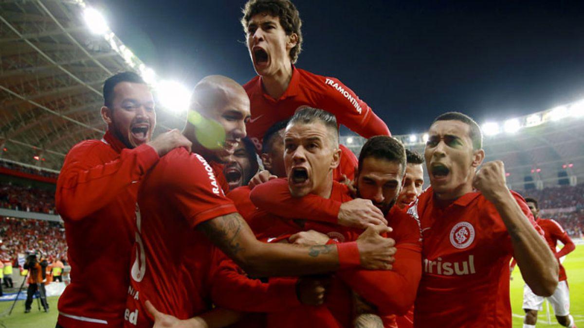 Internacional vence 2-1 a Tigres en semifinal de ida de Copa Libertadores