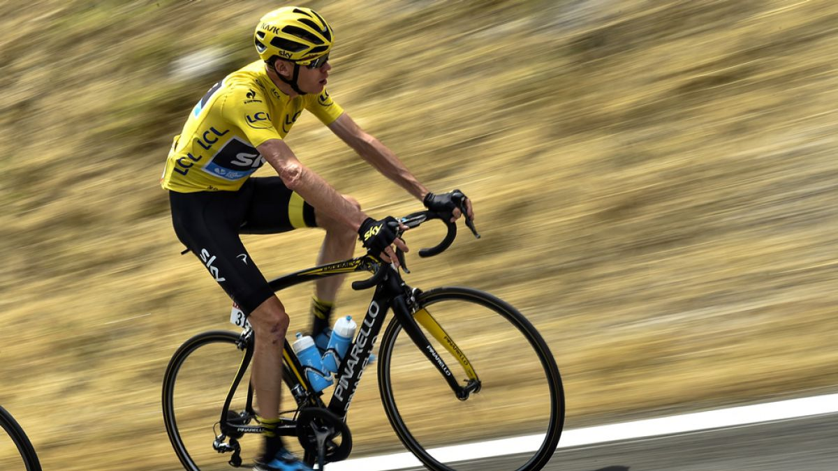 Tour de Francia: Británico Froome acusa que espectador le lanzó recipiente con orina