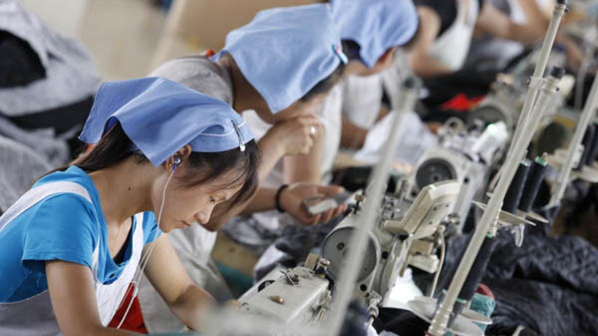 Bolsa de Shanghai limita sus pérdidas y cierra con una caída de 1,68%