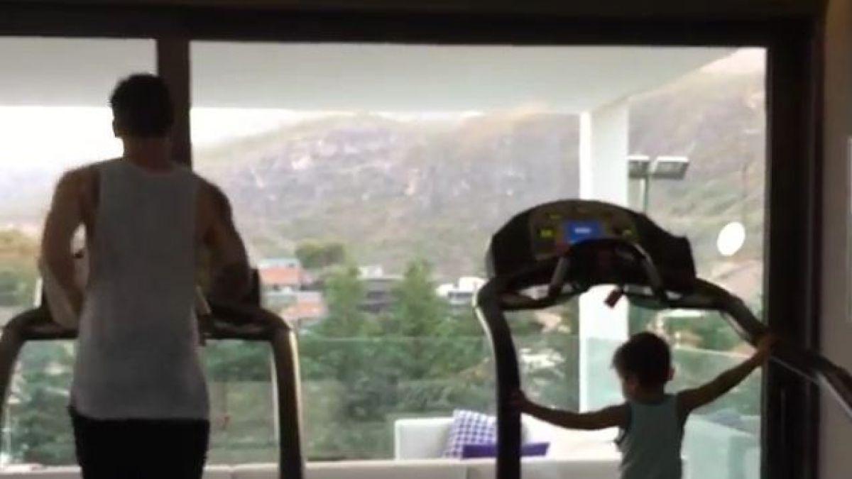 Messi entrena durante sus vacaciones y lo hace junto a su hijo