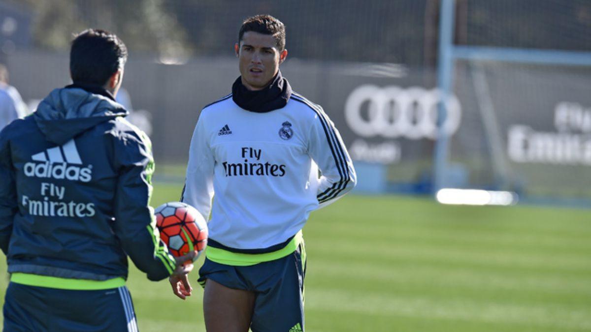 Cristiano Ronaldo le obsequia una isla griega como regalo de boda a representante Jorge Mendes