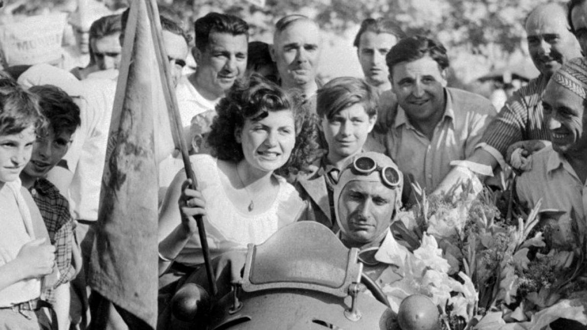 Ordenan exhumar restos de piloto Juan Manuel Fangio en Argentina por denuncia de paternidad