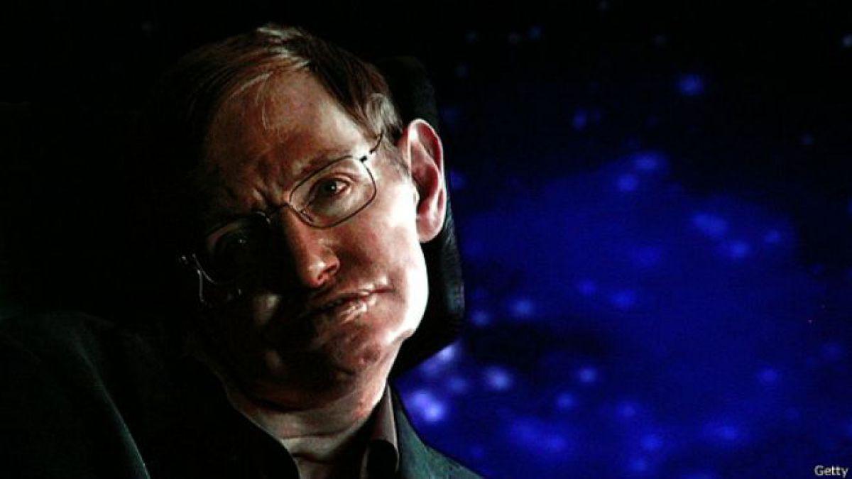 """Stephen Hawking, un """"joven muy normal"""" que cambió nuestra visión del Universo"""