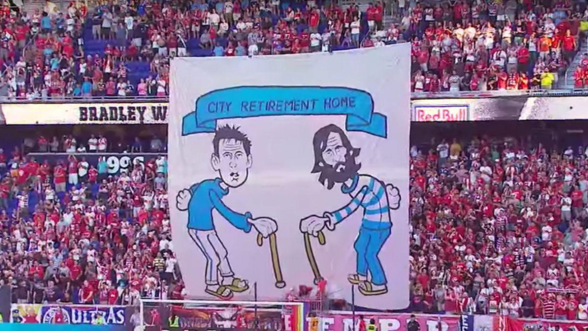[VIDEO] Andrea Pirlo y Frank Lampard reciben burlas en la MLS