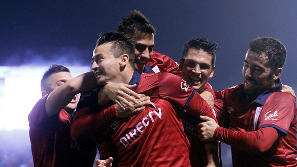 """Los """"cruzados"""" se impusieron con un agónico gol de Roberto Gutiérrez."""