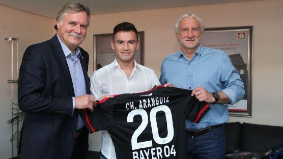 Charles Aránguiz es presentado como nuevo jugador del Leverkusen hasta 2020