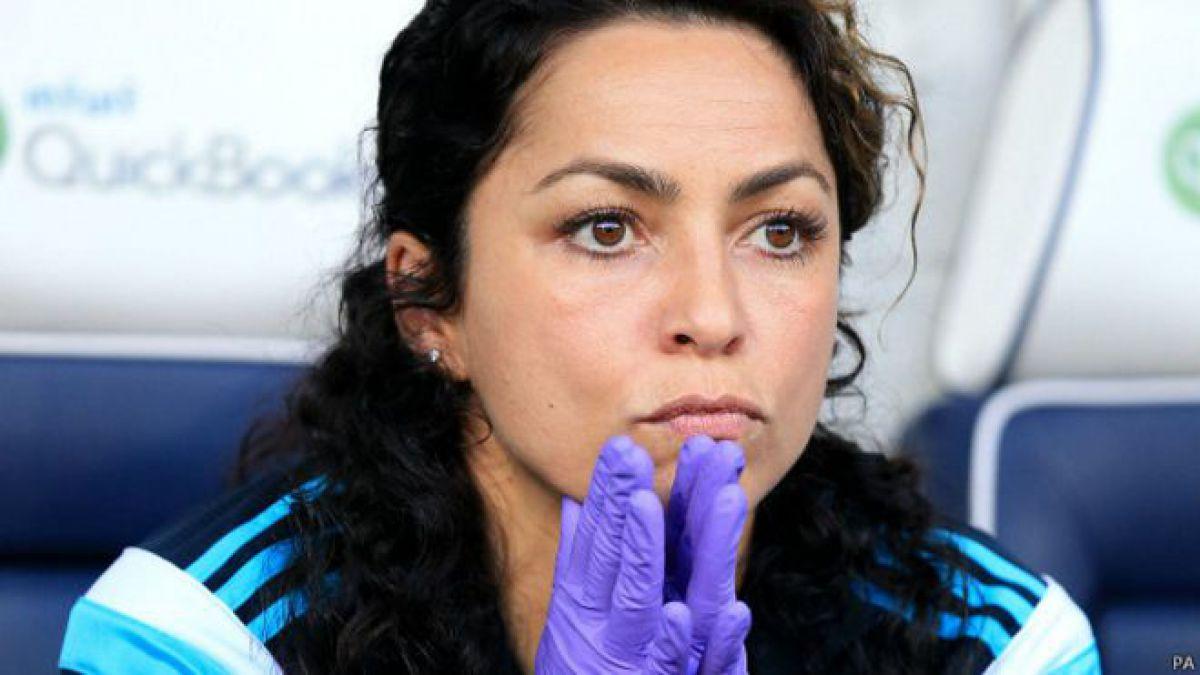Eva Carneiro llegó al Chelsea en 2009 y desde 2011 ocupa un rol en el banquillo del primer equipo.