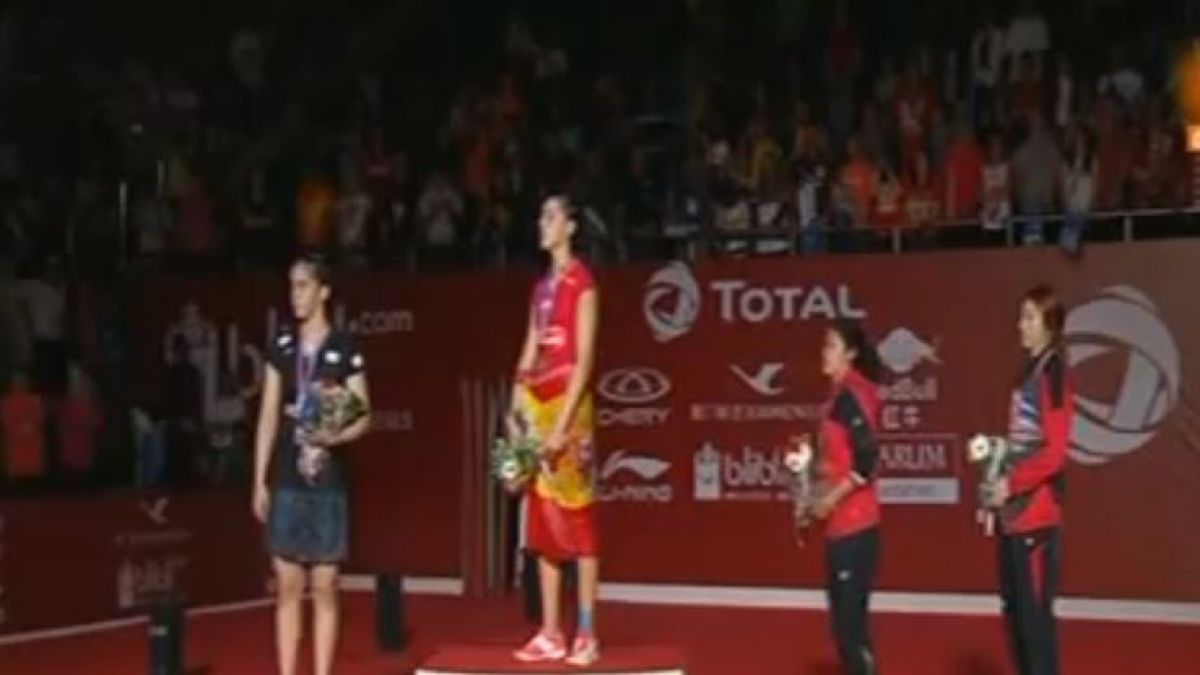 Himno franquista suena en el Mundial de Badminton tras error de protocolo