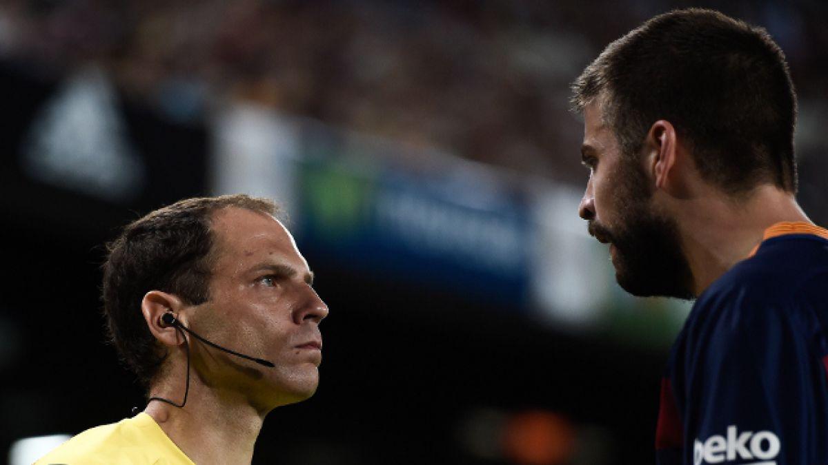 Piqué podría ser suspendido cuatro partidos por insultar a árbitro